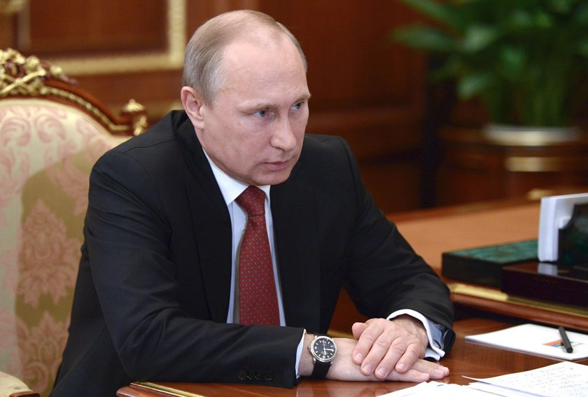 Russian President Vladimir Putin asked lawmakers in Russia's upper house of parliament to rescind approval they granted to use force in Ukraine.