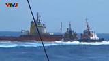 Chinese ships surround, T-bone Vietnamese ship at sea