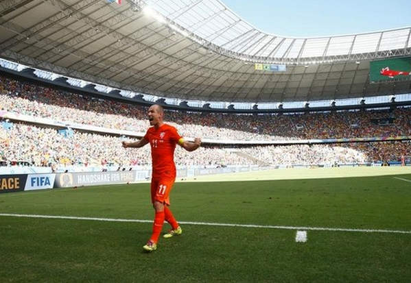 Arjen Robben of the Netherlands celebrates after winning their 2014 World Cup round of 16 game against Mexico at the Castelao arena in Fortaleza June 29, 2014.