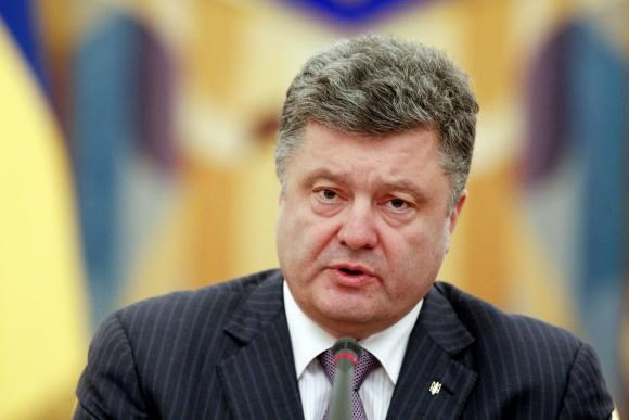 Poroshenko ends Ukraine ceasefire, says government will attack rebels