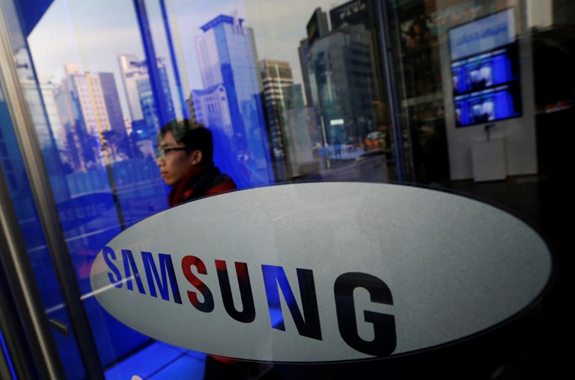 A man walks out of Samsung Electronics' headquarters in Seoul January 6, 2014.