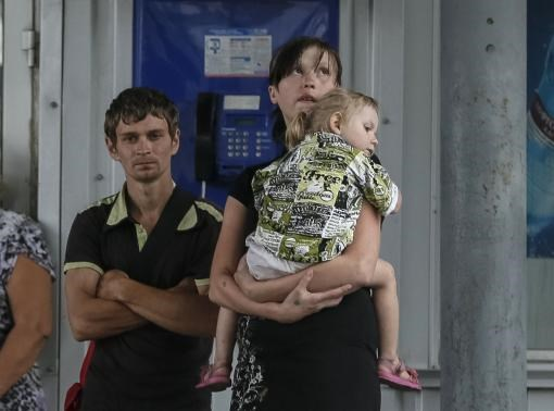 Families caught in crossfire in eastern Ukraine