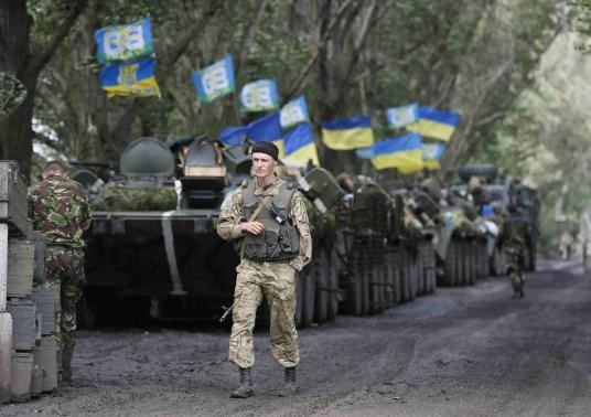 Ukrainian paratroopers gather near the eastern Ukrainian town of Slaviansk, July 8, 2014.