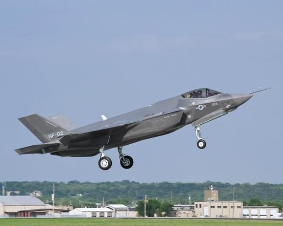 A U.S. Air Force version of the F-35 Lightning II flies at Naval Air Station Fort Worth Joint Reserve Base, Texas, in this April 20, 2010 file photo.