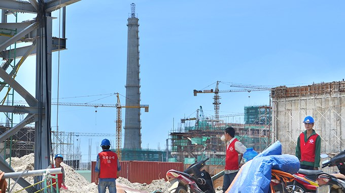 Workers on the construction site of the Formosa steel mill project in central Vietnam. Photo courtesy of Tuoi Tre