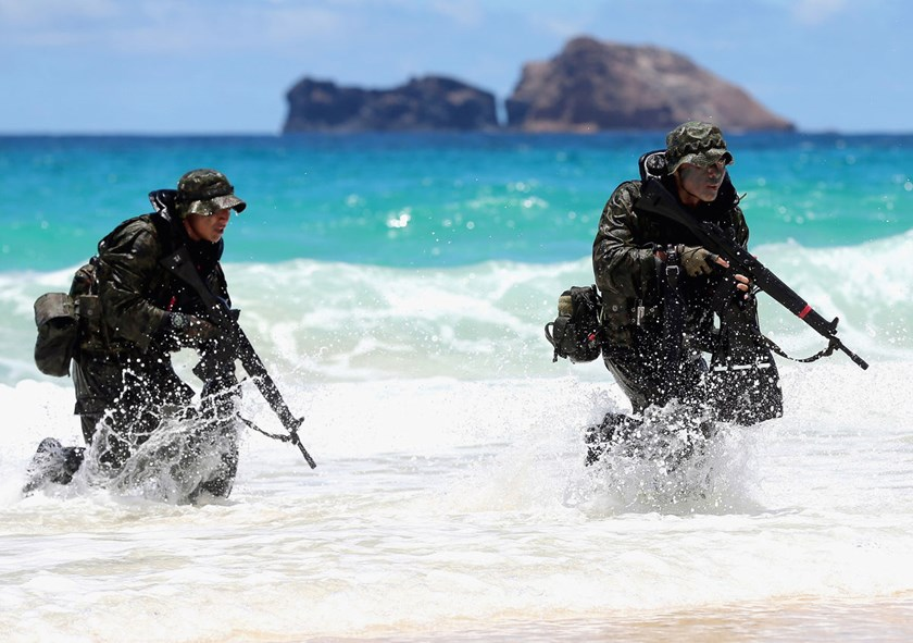 Japan Self-Defense Force members attend a landing operation as a part of the 'Pacific Rim' joint exercise in Kaneohe, Hawaii, on July 1, 2014