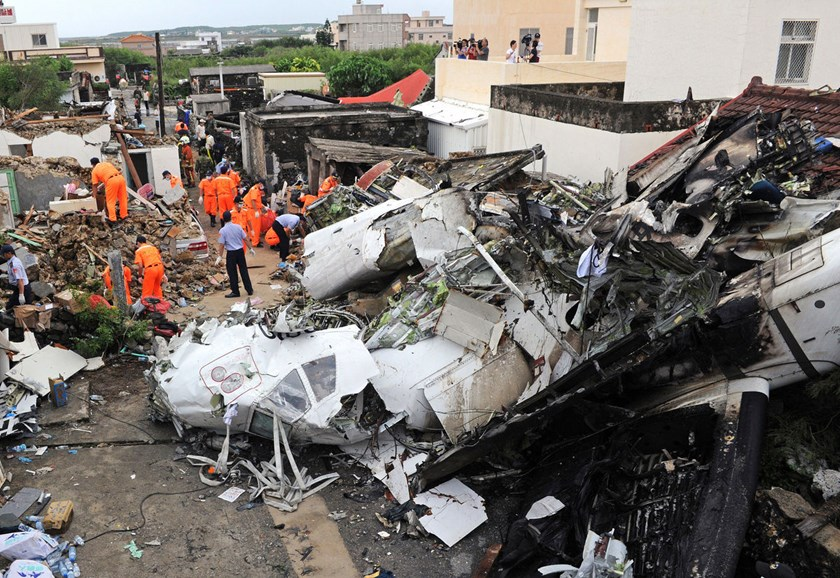 Taiwan launches inquiry into plane crash that killed 48