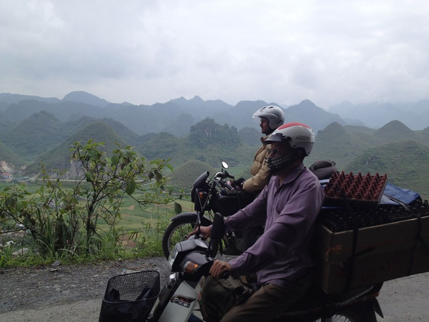 The author and the eggman leaving Quản Bạ