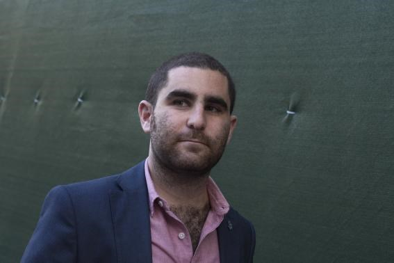 Bitcoin promoter Charlie Shrem walks out of federal court in Lower Manhattan, New York September 4, 2014.