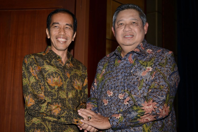 Outgoing Indonesian President Susilo Bambang Yudhoyono, right, meets president-elect Joko Widodo, left, in Nusa Dua, Indonesia's resort island of Bali, to discuss a smooth government transition programme, on Aug. 27, 2014.
