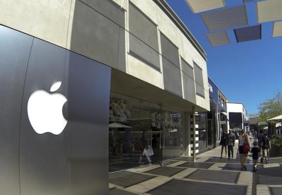 An Apple retail store is shown at a shopping mall in San Diego, California September 10, 2014.
