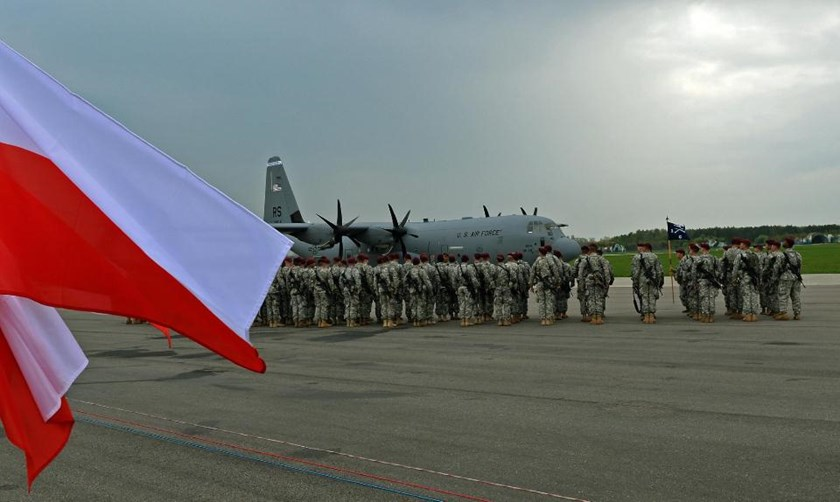 The first US troops arrive at the airport in Swidwin, Poland on April 23, 2014. Photo: AFP