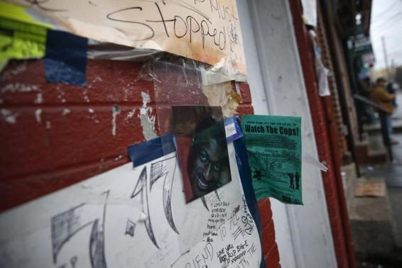 NY policeman not indicted in chokehold death; U.S. Justice sets probe