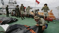 Search for missing AirAsia black box recorders could 'take a week'