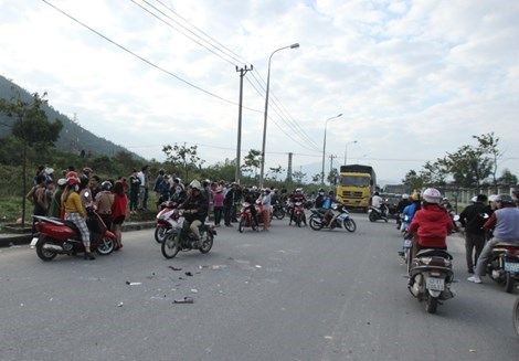 The scene of a traffic accident in Da Nang City on Dec. 31, 2014, which kills a Japanese expat and injures a Vietnamese worker. Photo: PLO