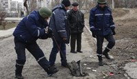 Ukraine rebels move to encircle government troops in new advance