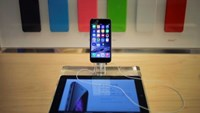 An iPhone 6 phone is seen on display at the Fifth Avenue Apple store on the first day of sales in Manhattan, New York September 19, 2014.