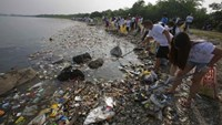 World's oceans clogged by millions of tons of plastic trash