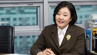 Park Young Sun, lawmaker at New Politics Alliance for Democracy, gained prominence during an earlier career as a journalist in which she became the first South Korean to broadcast live from the North Korean capital, Pyongyang.