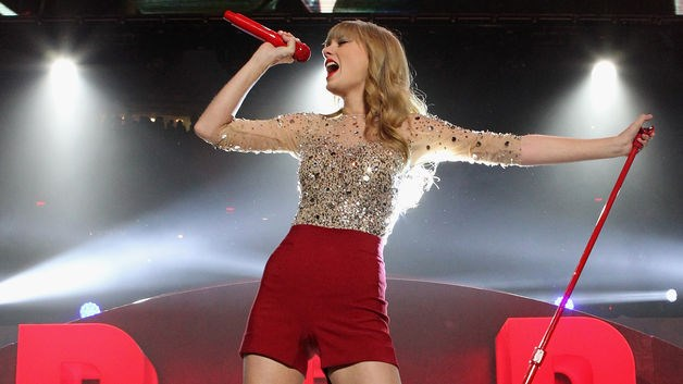 "Singer Taylor Swift pulled her entire song catalog from Spotify Ltd. after it refused to restrict her new album, ""1989,"" to its subscription service."