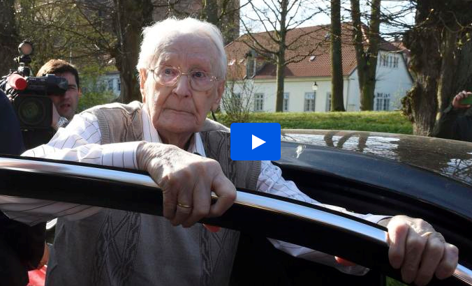 Ex-Nazi 'bookkeeper of Auschwitz' asks for 'forgiveness'