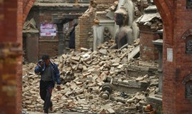 Nepalese dig for quake survivors as toll exceeds 2,200, big aftershock hits