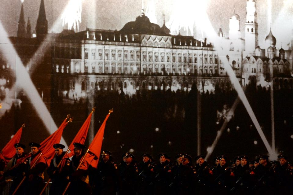 Russia to roll out Red Square military parade on huge scale