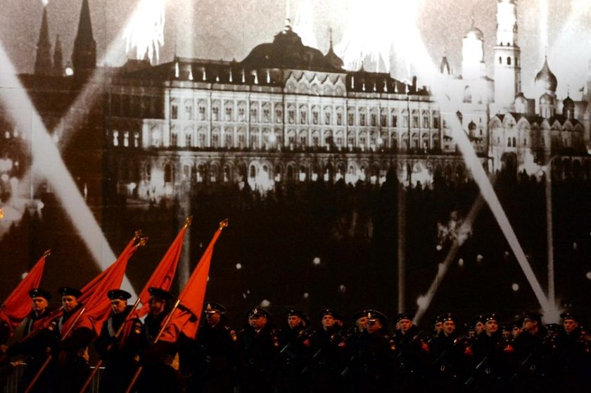 Russian soldiers attend the Victory Day military parade night training on May 4, 2015 on Red Square in Moscow