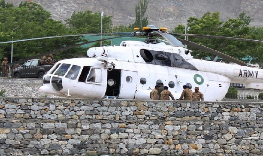 The victims of the Pakistan helicopter crash were airlifted to a military hospital in Gilgit, on May 8, 2015. Photo: AFP