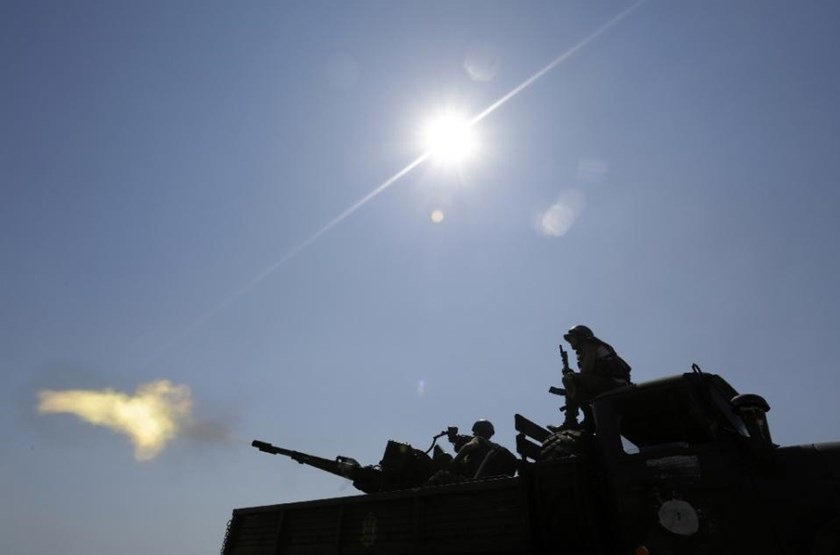 Anti-aircraft gunners of Ukrainian forces take part in exercises not far from the southeastern city of Mariupol, Donetsk region on July 7, 2015.