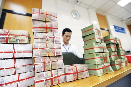 Vietnam's banks see lower bad debts, more loans: central bank