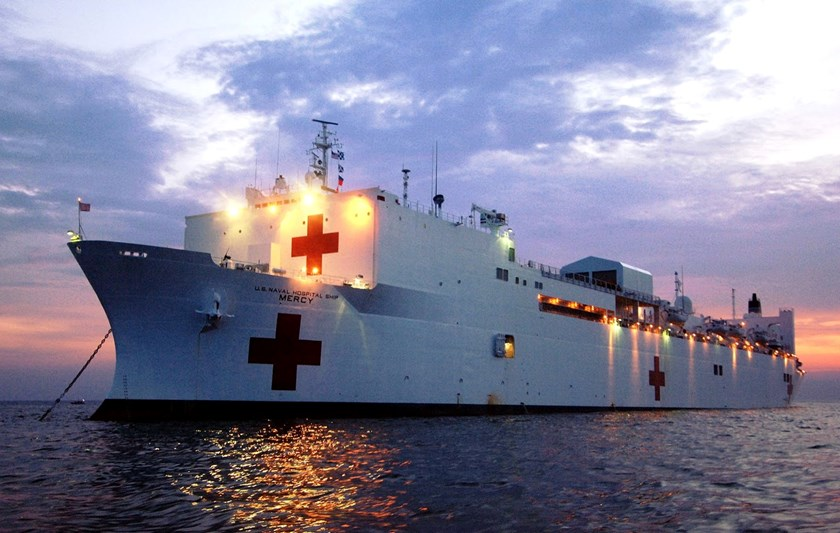 A Japanese navy replenishment ship was in Subic Bay to refuel the floating hospital ship USNS Mercy en route to Vietnam for the seven-nation humanitarian mission.