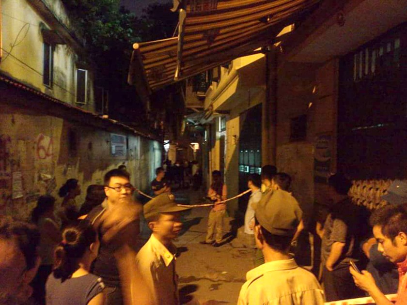 Police have cordoned off Thong Phong alley for the investigation.