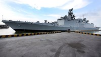 Indian stealth frigate INS Sahyadri visits Vietnam