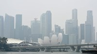 Singapore air quality worsens amid forest fires in Sumatra