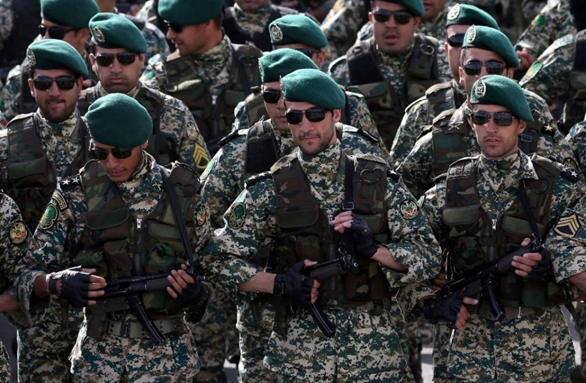 Iranian soldiers march during the annual Army Day military parade in Tehran on April 18, 2014