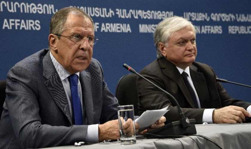 Russian Foreign Minister Sergei Lavrov (L) speaks during a joint press conference with his Armenian counterpart Edward Nalbandian following their meeting in Yerevan on November 9, 2015