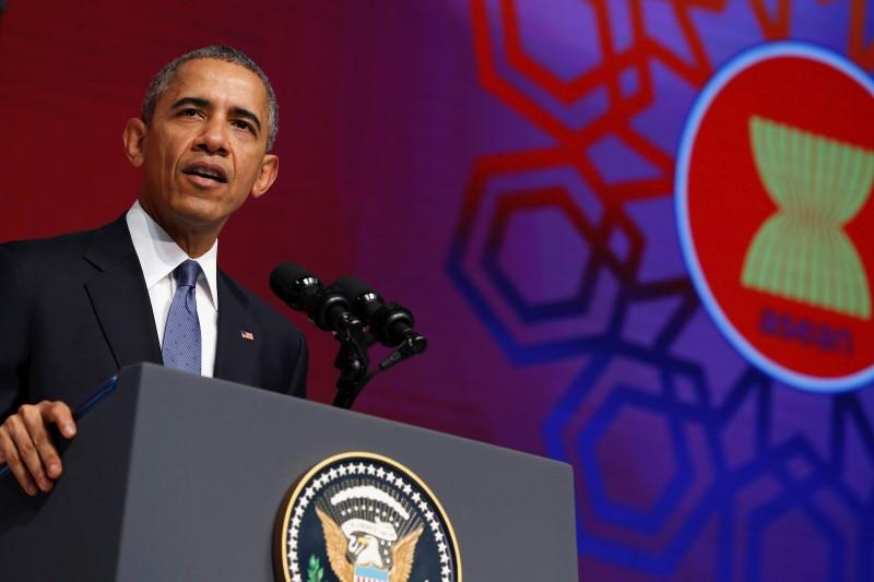 Obama urges halt to artificial islands in South China Sea