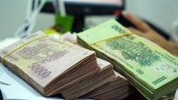 Vietnam dong tests trading-band limit as yuan drops before Fed