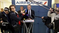 Airfrance Chief Executive Frederic Gagey speaks during a news conference in Paris, France December 20, 2015.