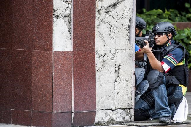 Indonesian Navy special forces take part in an anti-terror drill in Jakarta, December 20, 2015 in this photo taken by Antara Foto.