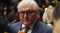 German Foreign Minister Frank-Walter Steinmeier speaks to reporters following a meeting of Foreign Ministers regarding the situation in Syria in the Manhattan borough of New York December 18, 2015.