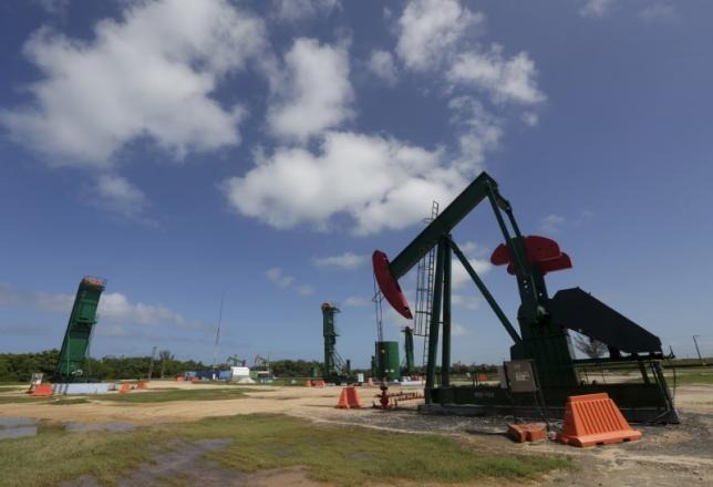 An oil pump is seen in Varadero, Matanzas province, Cuba, during an organized tour by the state-run Cuba-Petroleo (CUPET), October 21, 2015.