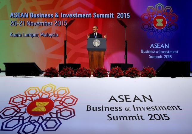 U.S. President Barack Obama delivers remarks at the ASEAN Business and Investment Summit in Kuala Lumpur, Malaysia November 21, 2015.