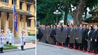 The Ministry of Foreign Affairs holds the ASEAN flag raising ceremony in Hanoi on December 31. Photo: VNA