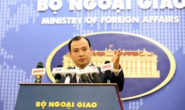 Vietnam protests China's pilot flight to airport built illegally in Truong Sa