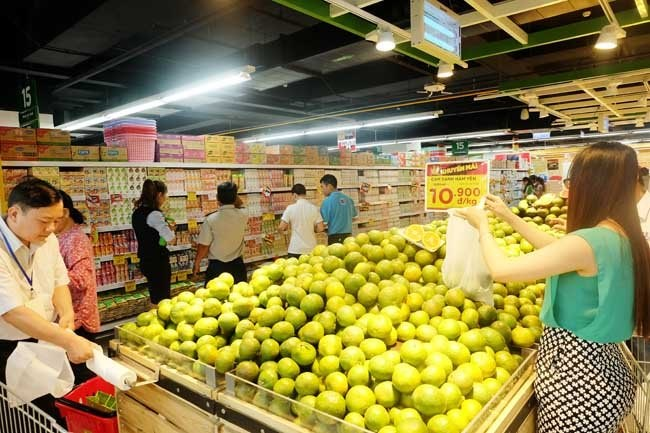 Shoppers at a Big C outlet in Ho Chi Minh City. Photo: Quoc Hung/SaigonTimes