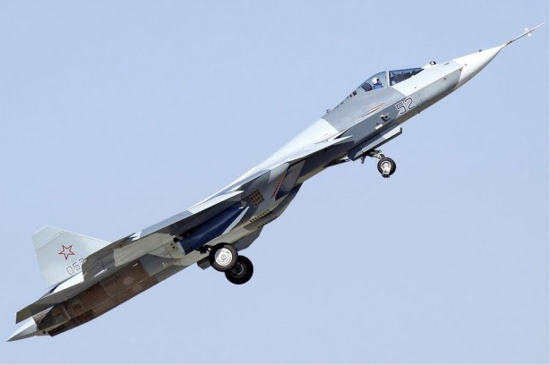 Sukhoi T-50 fighter climbing after takeoff, 2011. Creative Commons