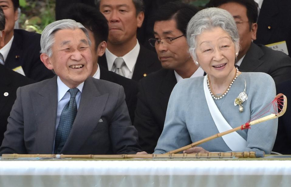 Japan's Akihito heads to Philippines in latest stop on peace parade