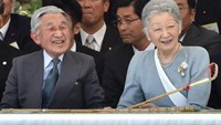 Japan's Emperor Akihito (L) and Empress Michiko will visit the national Heroes' Cemetery in the Philippines and a memorial for Japanese war dead during a five day visit starting Tuesday